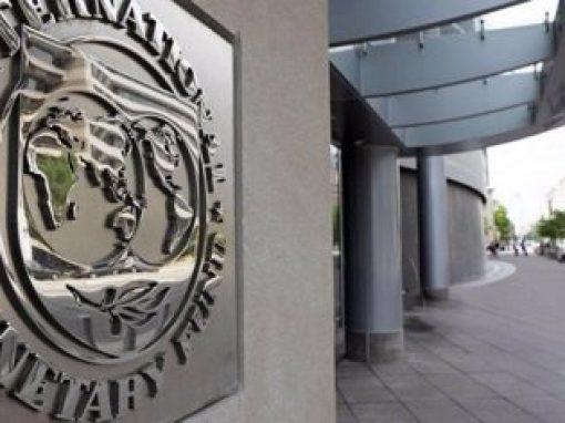 """FMI rebajará sus previsiones porque la economía """"aún cojea"""" por pandemia"""
