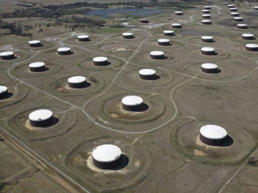 Los precios del petróleo amplían sus ganancias a máximos de varios años por la escasa oferta