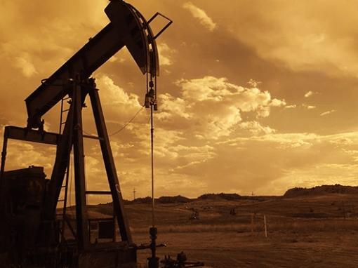 Un superpetrolero iraní sale de Venezuela para transportar petróleo pesado