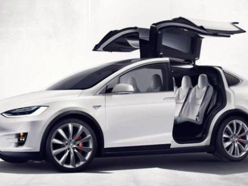 Hertz adquiere un lote millonario de vehículos Tesla, la mayor compra de carros eléctricos de la historia